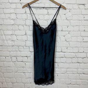 Victoria's Secret Black Lace and Satin Slip SZ XS